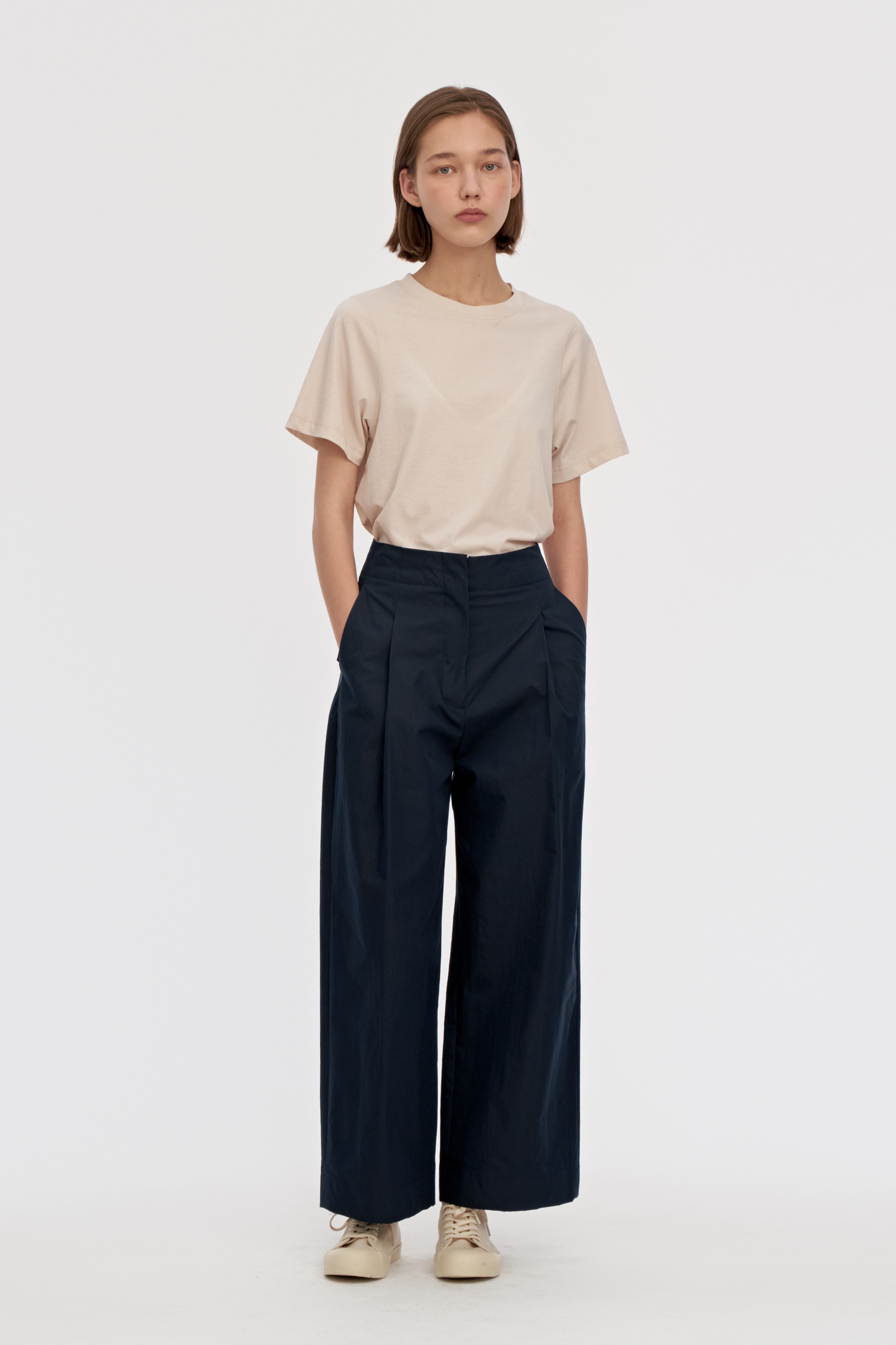 Relaxed Paperback Pants Women [Navy]
